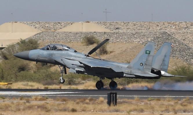 Mẫu phi cơ chiến đấu F-15 của Arab Saudi mà Mỹ sản xuất (Ảnh: NBC)