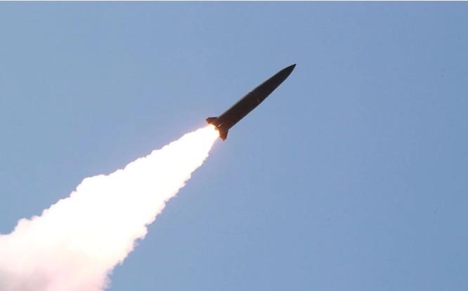 Tên lửa mà Triều Tiên phóng đi trong một cuộc thử nghiệm hôm 10/5 (Ảnh: Washington Post)