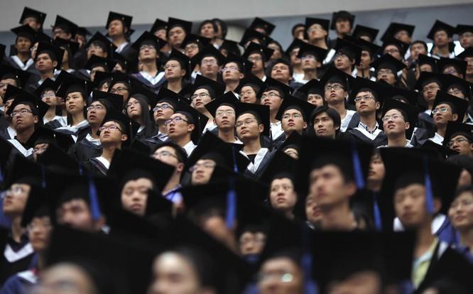 Du học sinh Trung Quốc tới Mỹ có thể giảm mạnh do khó khăn trong việc xin thị thực (Ảnh: NBC)