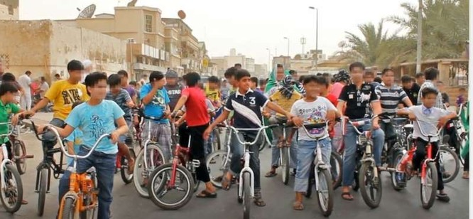 Nhóm tuần hành bằng xe đạp mà Murtaja tham gia lúc 10 tuổi (Ảnh: CNN)