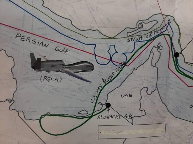 Tấm bản đồ vẽ tay mà Iran công bố để chứng minh drone của Mỹ vi phạm không phận của họ (Ảnh: Newsweek)