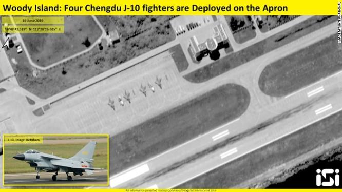 Một hình ảnh khác về các máy bay chiến đấu J-10 trên đảo Phú Lâm (Ảnh: CNN)