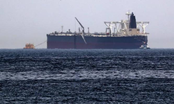 Tàu chở dầu Amjad bị tấn công vào hôm 12/5 (Ảnh: AFP)