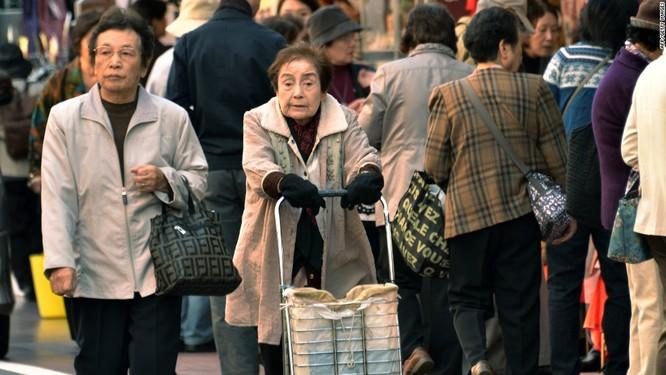 Dân số Nhật Bản đang bị già hóa nhanh chóng (Ảnh: CNN)