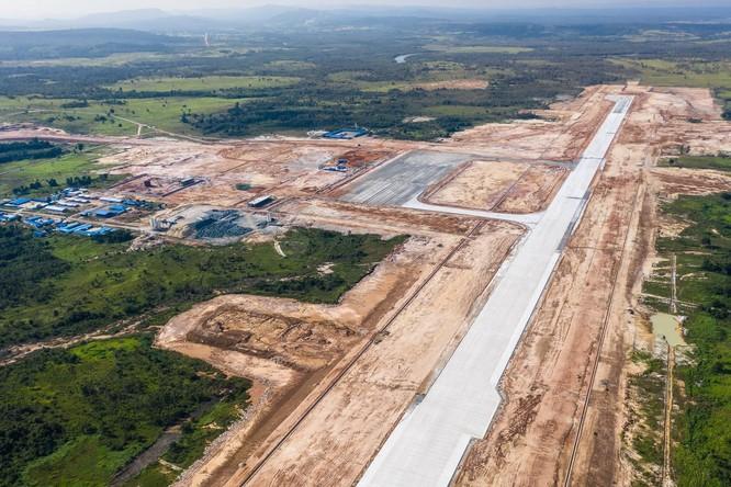 Trung Quốc đang đầu tư xây dựng sân bay quốc tế Dara Sakor ở Campuchia (Ảnh: WSJ)