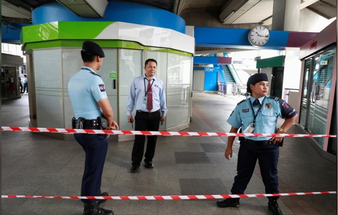 Lực lượng an ninh được tăng cường sau một vụ nổ tại trạm xe lửa ở Bangkok (Ảnh: Reuters)