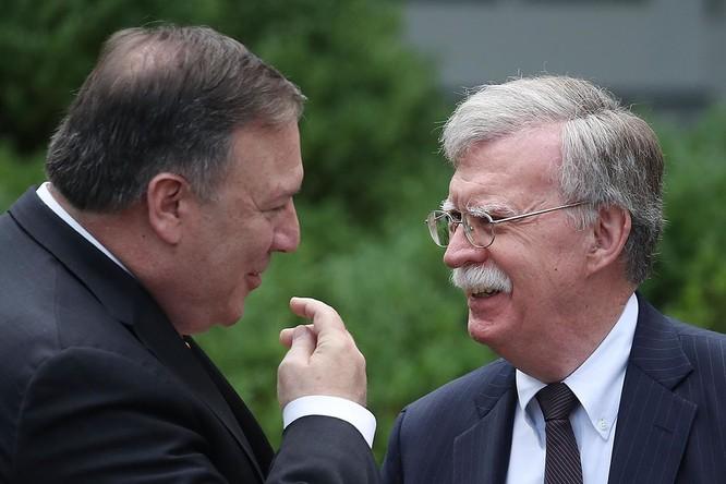 Ông Bolton được cho là nhân tố mà Ngoại trưởng Pompeo tìm cách lật đổ bằng mọi giá (Ảnh: Politico)