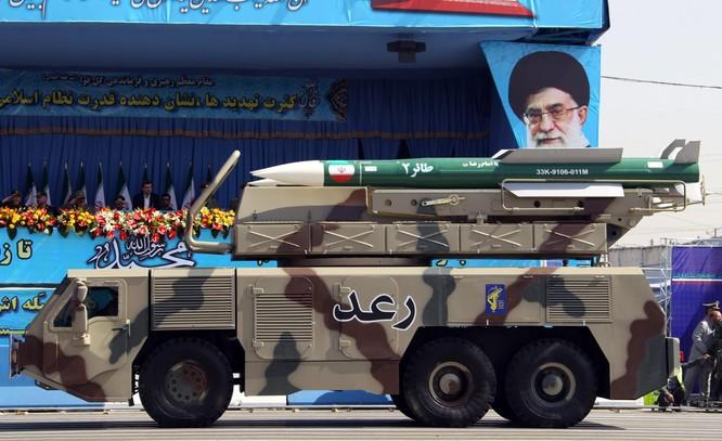 Iran được cho là đang theo đuổi chiến lược phát triển tên lửa mới đầy hiệu quả (Ảnh: Newsweek)