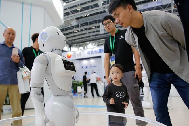 Trung Quốc có thể trở thành nước dẫn đầu về công nghệ AI và tự động hóa trong tương lai (Ảnh: SCMP)