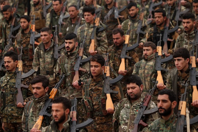 Người Kurd chịu tổn thất nặng nề trong cuộc chiến với IS, giờ trở thành con mồi cho Thổ Nhĩ Kỳ (Ảnh: NBC)