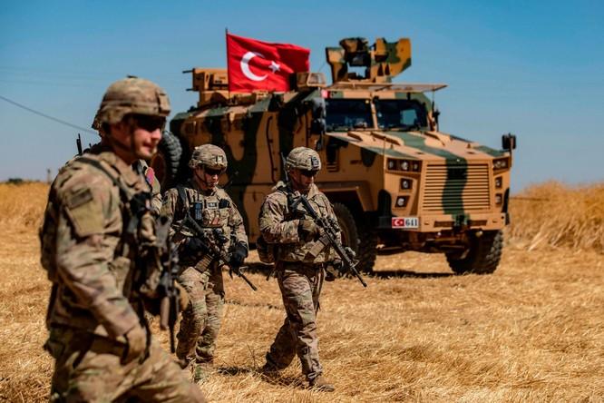 Binh sĩ Thổ Nhĩ Kỳ sẽ sớm mở chiến dịch tấn công vào sâu trong lãnh thổ Syria (Ảnh: Independent)