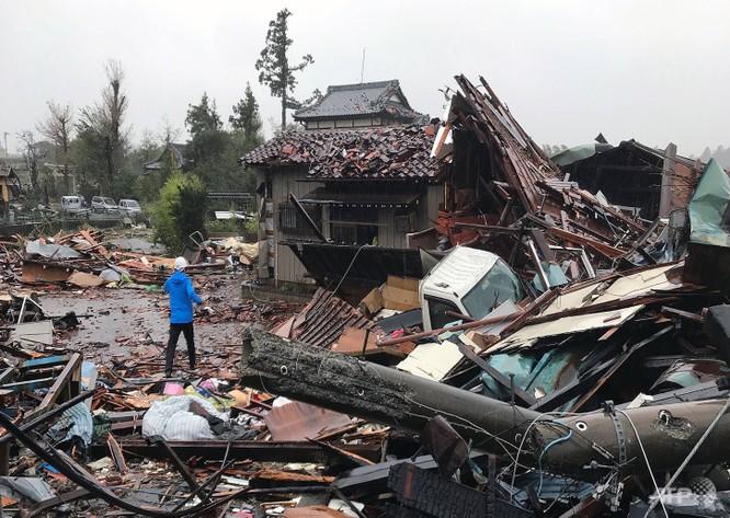 Một ngôi nhà ở Ichihara, Chiba bị tàn phá gần như toàn bộ sau cơn bão (Ảnh: CNA)