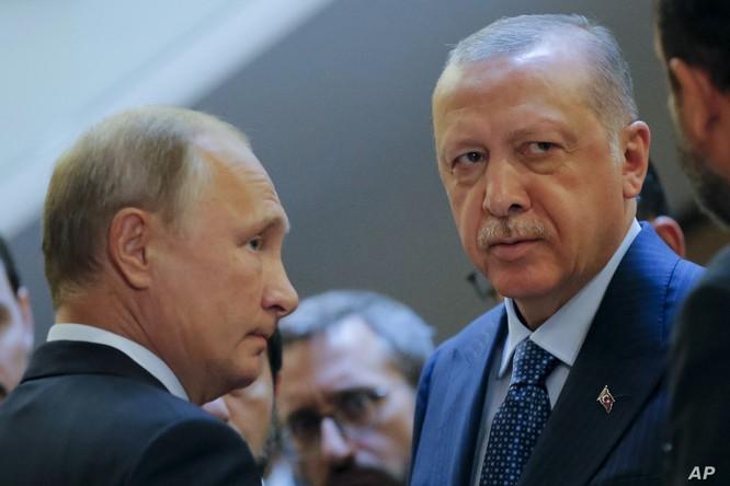 Nga và Thổ Nhĩ Kỳ đã hợp tác ở Syria suốt nhiều năm qua, dù hậu thuẫn cho các phe phái đối lập (Ảnh: AP)