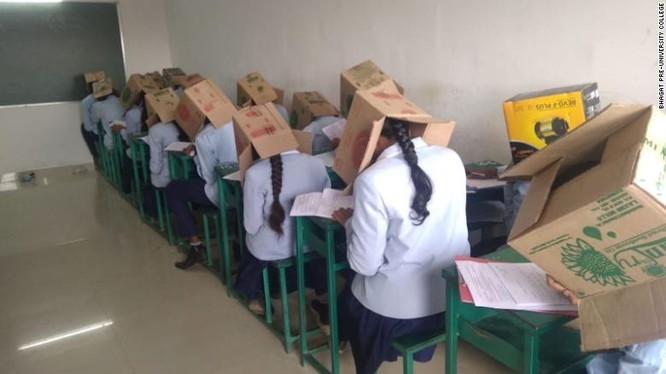 Ngôi trường sau đó được xác nhận là trường dự bị đại học Bhagat ở Haveri, thuộc bang Karnataka, Tây Nam Ấn Độ (Ảnh: CNN)
