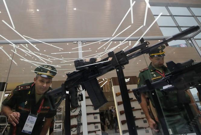 AK-308 sử dụng đạn tiêu chuẩn 7,62x51 mm của NATO (Ảnh: RT)