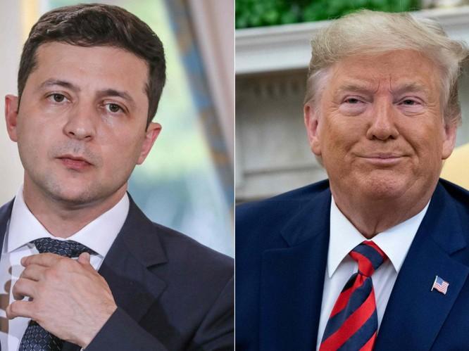 Ông Sondland xác nhận có việc trao đổi lợi ích giữa ông Trump và phía Ukraine (Ảnh: Independent)