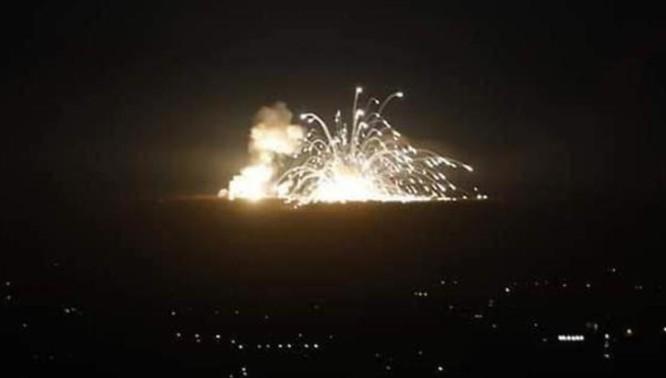 Một vụ không kích mà IAF thực hiện nhằm vào ngoại ô thủ đô Damascus (Ảnh: Getty)