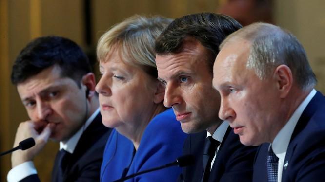 Lãnh đạo nhóm Bộ Tứ trong cuộc gặp tại Paris (Ảnh: RT)