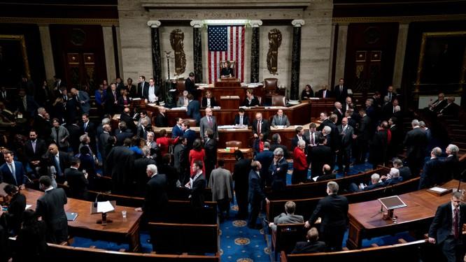 Hạ viện Mỹ thông qua 2 điều khoản luận tội ông Trump bao gồm lạm dụng quyền lực và cản trở Quốc hội (Ảnh: NYTimes)