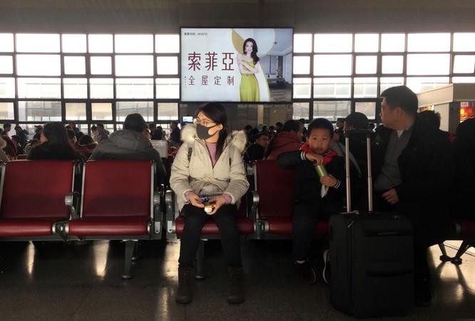 Dịch bệnh lan rộng giữa lúc hàng triệu người Trung Quốc có kế hoạch ăn Tết ở nước ngoài (Ảnh: Reuters)