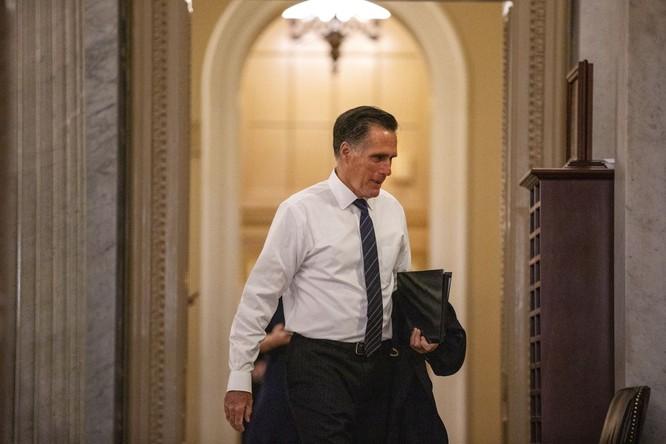 Nhiều người thân với ông Romney nói ông là người dũng cảm, nhưng đơn độc trong đảng Cộng hòa (Ảnh: Vox)