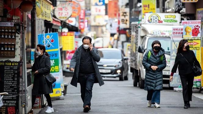 Số ca nhiễm COVID-19 đang tăng đột biến ở Hàn Quốc trong mấy ngày gần đây (Ảnh: Getty)