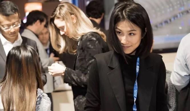 Ivy Yang đã khởi xướng một chiến dịch tuyên truyền để tránh tình trạng phân biệt chủng tộc do lo sợ COVID-19 (Ảnh: SCMP)