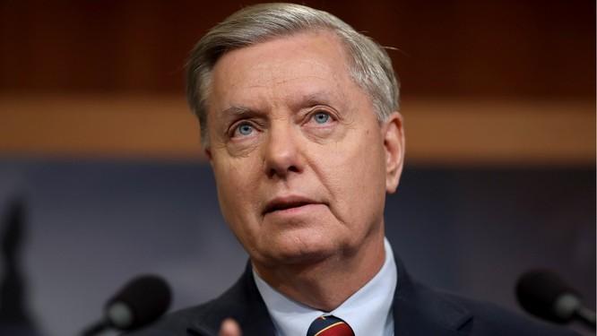 Nghị sĩ Lindsey Graham, một đồng minh của Tổng thống Trump, tỏ ý hoài nghi về thỏa thuận (Ảnh: Getty)