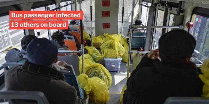 Các nhà nghiên cứu khuyến cáo đeo khẩu trang khi di chuyển bằng phương tiện giao thông công cộng và rửa tay thường xuyên (Ảnh: Getty)