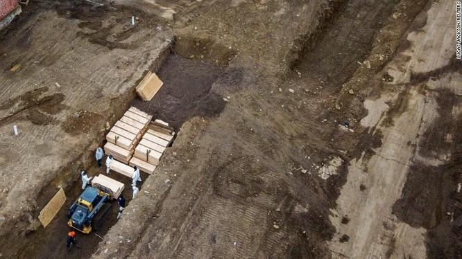 Việc chôn cất trên đảo Hart bị cho là nỗi hổ thẹn do được thực hiện bởi các tù nhân (Ảnh: CNN)
