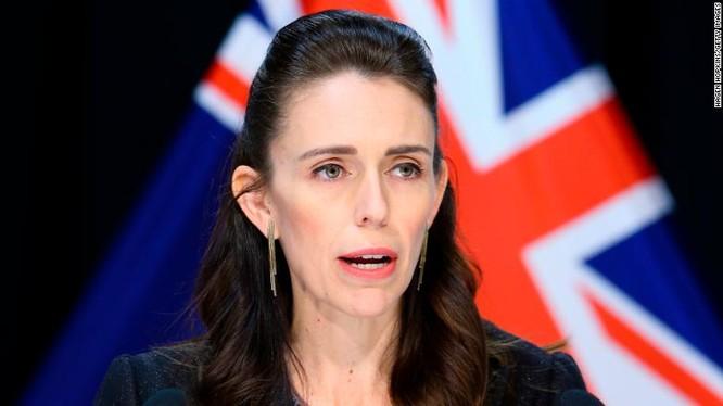 Thủ tướng New Zealand Jacinda Ardern trong cuộc họp báo về COVID-19 ở Wellington ngày 9/4 (Ảnh: CNN)