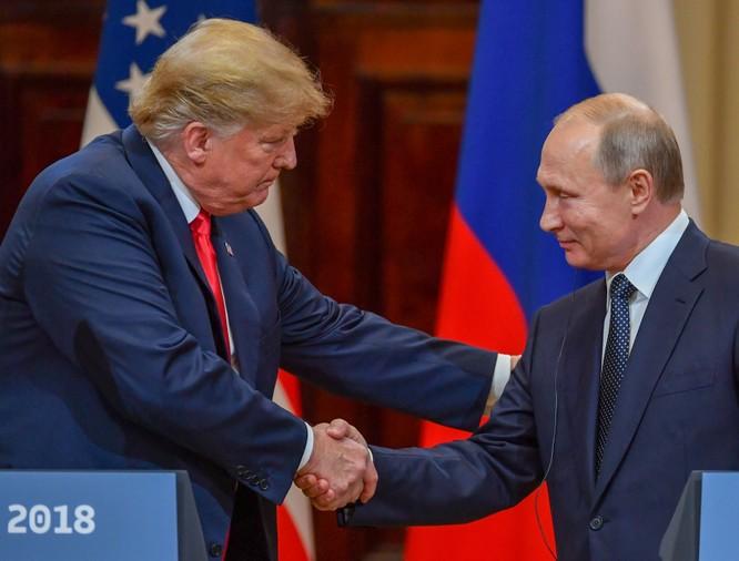Tổng thống Putin và Tổng thống Trump đã 6 lần điện đàm tính từ tháng 3 đến nay (Ảnh: Time)