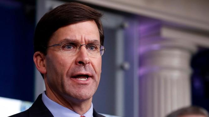 Bộ trưởng Quốc phòng Mỹ Mark Esper công khai thể hiện quan điểm phản đối kế hoạch điều binh của ông Trump (Ảnh: CNN)
