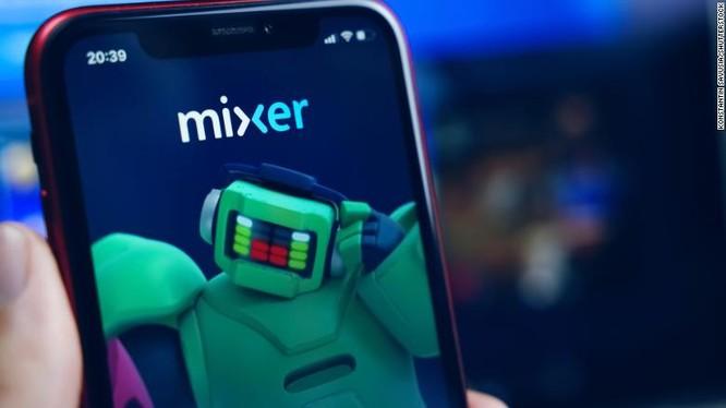 Ứng dụng livestream Mixer của Microsoft (Ảnh: CNN)