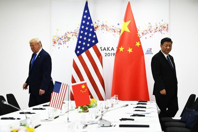 Thay vì chăm chút cho quan hệ đồng minh với Đức và kéo EU về phía mình, ông Trump lại muốn đơn độc đối phó với Trung Quốc (Ảnh: CNBC)