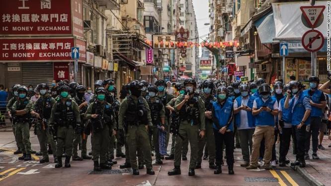 Luật an ninh mới mà Trung Quốc áp dụng ở Hong Kong là một trong những vấn đề mà EU quan ngại (Ảnh: CNN)