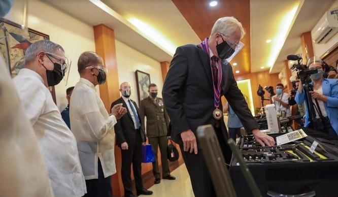 """TT Trump gửi """"quà Giáng sinh"""" cho Philippines: Tín hiệu nào được đưa ra? ảnh 1"""