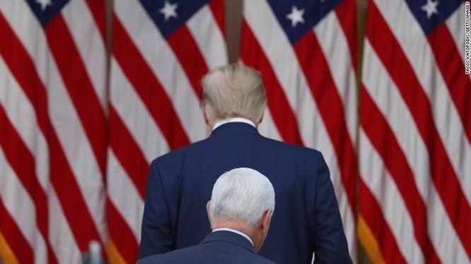 """Màn chia tay lạnh nhạt """"lịch sử"""" của Tổng thống Trump ảnh 2"""