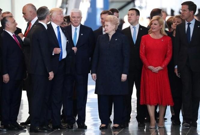 """Những khoảnh khắc hài hước """"bị lãng quên"""" của TT Trump ảnh 3"""