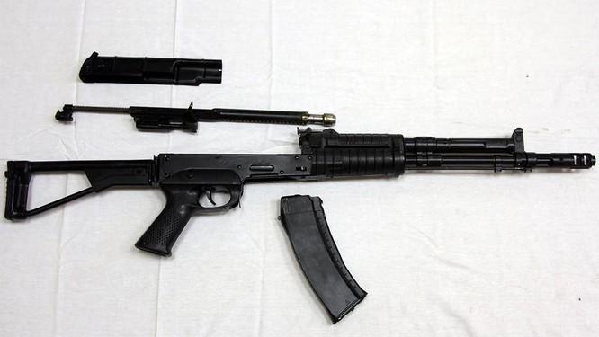 Mẫu súng 'kỳ phùng địch thủ' của AK-74 ảnh 2