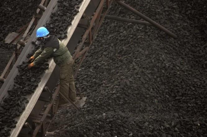 """Cuộc sống chật vật của 6 triệu công nhân """"phổi đen"""" ở Trung Quốc ảnh 1"""