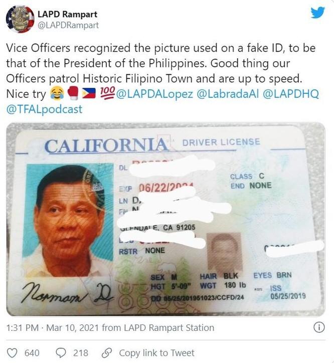 Bắt giữ tài xế dùng bằng giả có gắn ảnh của Tổng thống Philippines ảnh 1