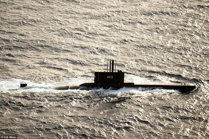Đoạn video ám ảnh bên trong tàu ngầm mất tích của Indonesia ảnh 1