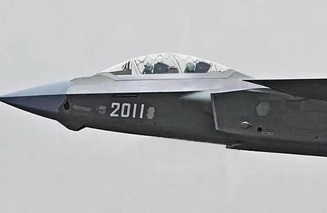 """Tại sao """"Mãnh long"""" J-20 của Trung Quốc ra phiên bản 2 chỗ ngồi? ảnh 1"""