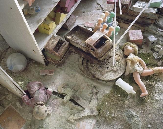 """Những bức ảnh chụp cảnh tượng bên trong """"Thành phố chết Chernobyl"""" ảnh 4"""