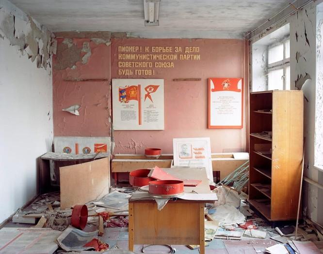 """Những bức ảnh chụp cảnh tượng bên trong """"Thành phố chết Chernobyl"""" ảnh 5"""