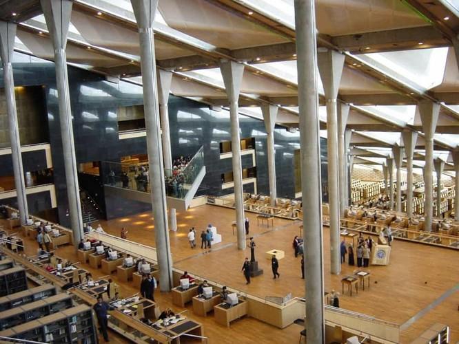 Những thư viện hào nhoáng nhất thế giới khiến bạn không thể rời mắt ảnh 7