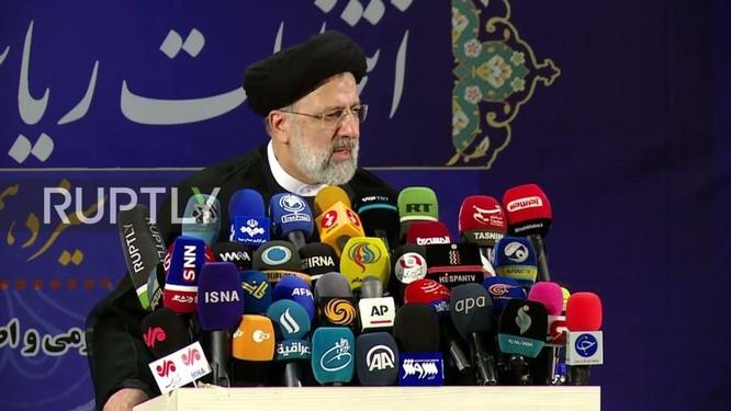 """Tân Tổng thống Iran, người bị Mỹ liệt vào """"danh sách đen"""", là ai và sẽ tạo sự thay đổi như thế nào? ảnh 4"""