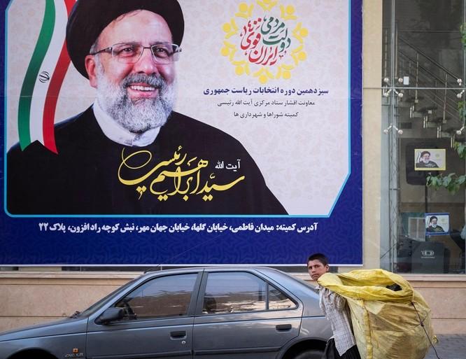 """Tân Tổng thống Iran, người bị Mỹ liệt vào """"danh sách đen"""", là ai và sẽ tạo sự thay đổi như thế nào? ảnh 1"""