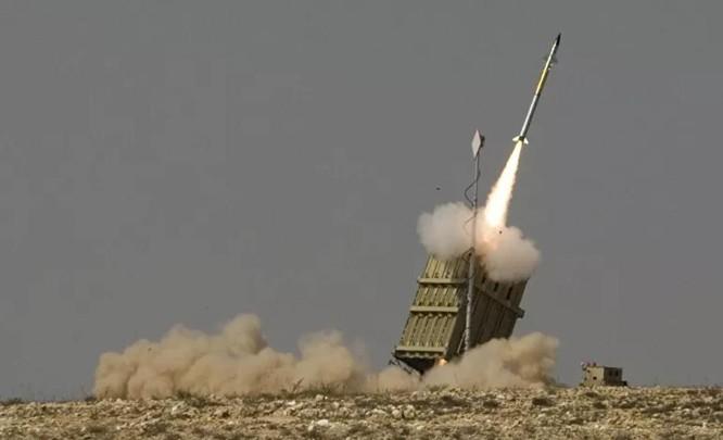 """Hệ thống """"Vòm Sắt"""" suýt bắn hạ máy bay bên mình trong cuộc chiến 11 ngày ở Gaza ảnh 1"""